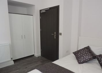 Thumbnail Room to rent in Rm 2, Flat 3, Priestgate Peterborough