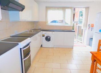 Thumbnail 4 bed triplex to rent in Culmore Road, Peckham