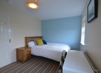 Thumbnail Room to rent in West Water Crescent, Hampton Vale, Peterborough