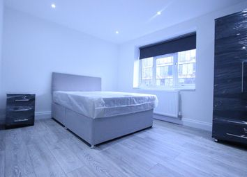 Thumbnail Room to rent in Hall Place, Paddington