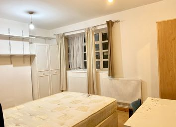 Thumbnail Room to rent in Ben Jonson Road, Stepney Green/Mile End