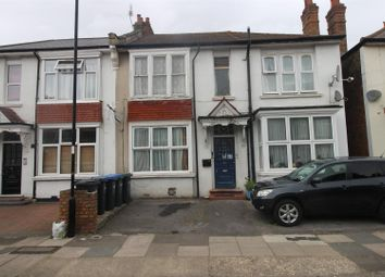2 bed property to rent in Sidney Avenue, London N13