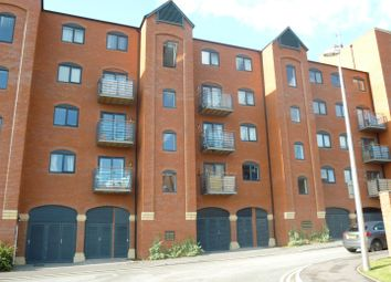 Thumbnail 2 bed flat for sale in Wharf View, Chester