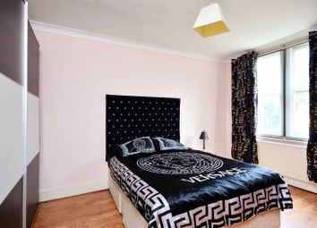 3 bed flat for sale in Ellesmere Road, Grove Park, London W4