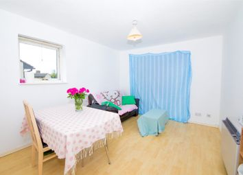 Thumbnail 1 bedroom flat to rent in Barnfield Place, London