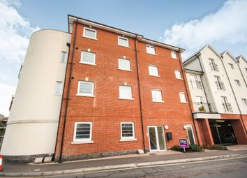 Thumbnail 2 bed flat for sale in Hythe Quay, Colchester