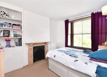 Thumbnail 2 bedroom flat for sale in Earls Court Gardens, London
