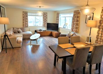 Thumbnail 3 bed flat to rent in Avenue Road, St. Albans