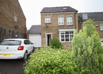 Thumbnail 4 bedroom detached house to rent in 40 Longhill Road, Huddersfield