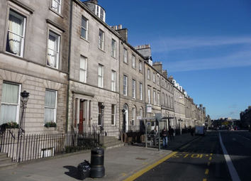 Thumbnail 1 bed flat to rent in York Place, Edinbugrh
