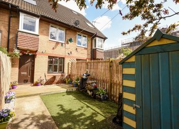 Thumbnail 1 bed flat for sale in Bunning Way, London