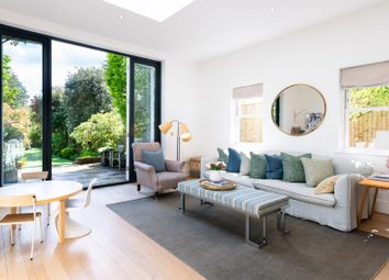 Thumbnail Serviced town_house to rent in Chevening Road, London
