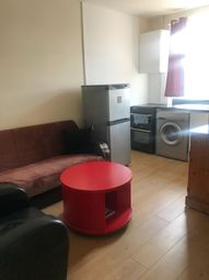 Thumbnail 1 bed flat to rent in North Finchley, London