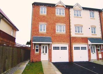 Thumbnail 4 bed town house to rent in Hainsworth Park, Hull
