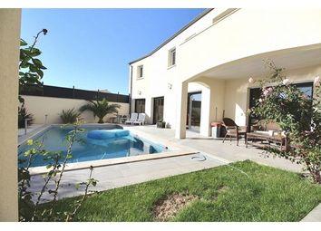 Thumbnail 6 bed property for sale in 17000, La Rochelle, Fr