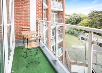 Thumbnail 2 bedroom flat for sale in The Drive, Hove