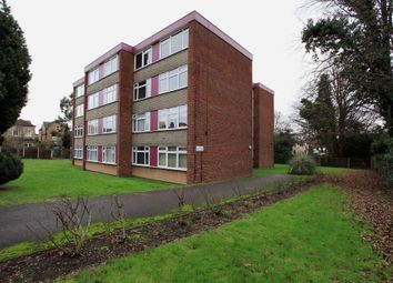 Thumbnail 2 bedroom flat to rent in Beechwood Park, South Woodford