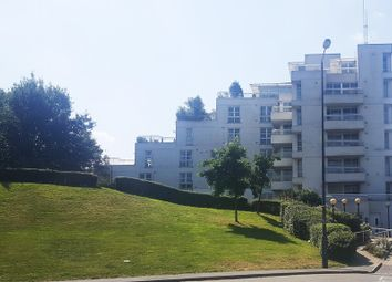 Thumbnail Flat to rent in Barrier Point Road, London