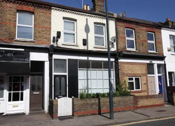 Thumbnail 2 bed flat for sale in Sandycombe Road, Kew