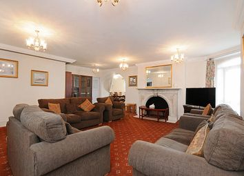 Thumbnail 4 bed flat to rent in Moscow Road, Bayswater, London