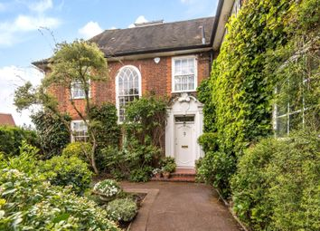 Thumbnail 6 bed detached house for sale in Farm Avenue, The Hocrofts, London