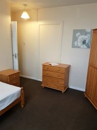Thumbnail Room to rent in Saint Aidens Close, Burton-On-Trent