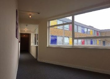 2 bed flat to rent in Hainton Square, Grimsby DN32