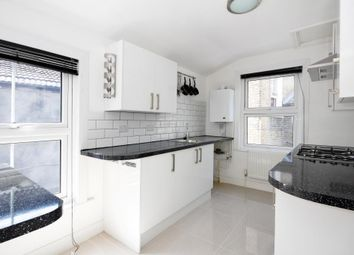 Thumbnail 1 bed flat to rent in Meeting House Lane, Peckham