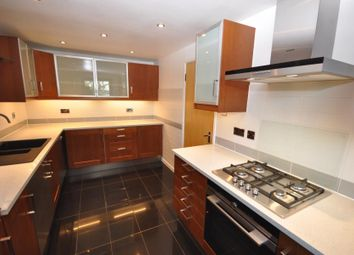 Thumbnail 3 bedroom flat to rent in The Highway, London