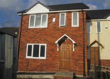 Thumbnail 3 bed town house to rent in Trenholme Avenue, Bradford