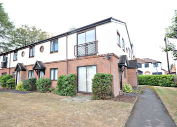 Thumbnail 1 bed flat to rent in Lassell Gardens, Maidenhead