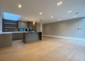 Hodford Place, Hodford Road, Golders Green NW11. 2 bed duplex
