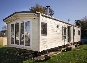 2 bed mobile/park home for sale in New Beach Holiday Park, Romney Marsh TN29