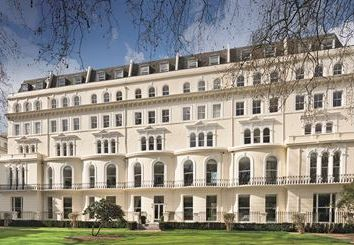 Thumbnail 1 bed flat for sale in Knsington Garden Square, London