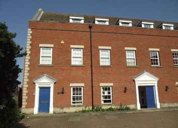 2 bed flat to rent in High Street, Billericay CM12