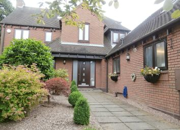 Thumbnail 5 bed detached house to rent in Earlsmere, Earlswood, Solihull