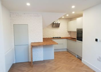 Thumbnail 2 bedroom flat to rent in Broad Street, Chesham