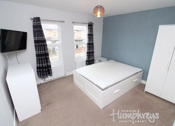 Thumbnail Room to rent in Room 2 - Briants Avenue, Reading