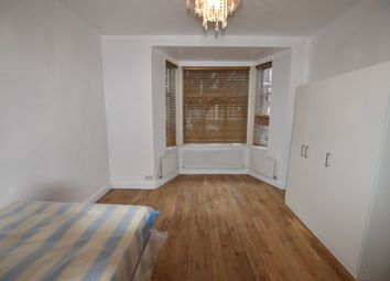 Thumbnail 5 bedroom shared accommodation to rent in Aycliffe Road, Shepherds Bush