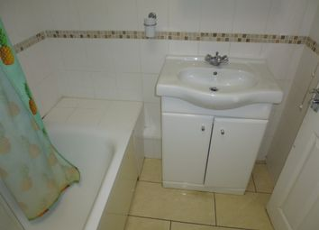 Thumbnail 2 bed town house to rent in Oakfield Road, West Croydon