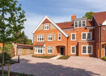 High Street, Wargrave, Reading, Berkshire RG10. 2 bed flat