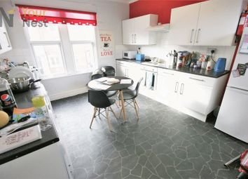 Thumbnail 4 bed flat to rent in South Parade, Headingley