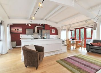 2 bed maisonette to rent in Peartree Lane, Wapping, London E1W
