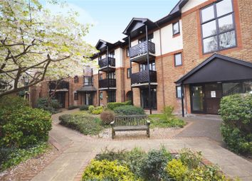 Thumbnail 1 bed flat to rent in Lichfield Gardens, Richmond