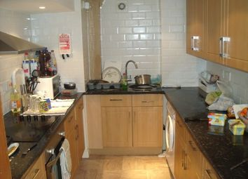 4 bed property to rent in Estcourt Terrace, Headingley, Leeds LS6