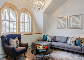 Thumbnail 3 bed flat to rent in Green Street, Mayfair
