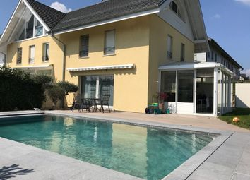 Thumbnail 4 bed link-detached house for sale in Meinier, Switzerland