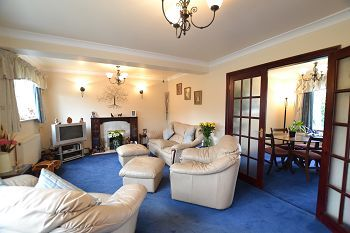 Thumbnail 5 bed link-detached house for sale in Rugby Drive, Macclesfield, Cheshire
