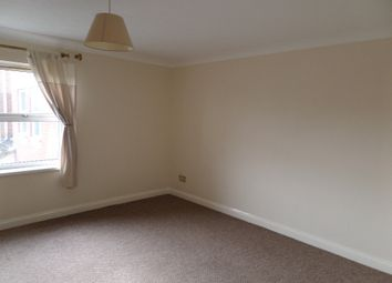 Thumbnail 2 bed flat to rent in Lower Northam Road, Hedge End, Southampton