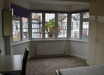 Thumbnail Room to rent in Edgworth Avenue, Hendon, London